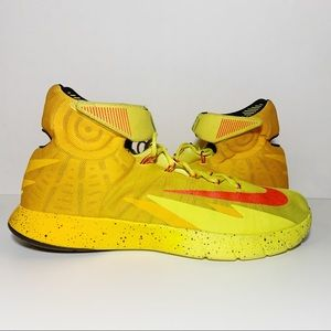 Kyrie Zoom HyperRev PE Yellow Hi Top 689604-760